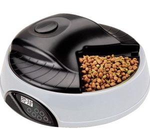 غذای اتوماتیک گربه 300x270 - گربه